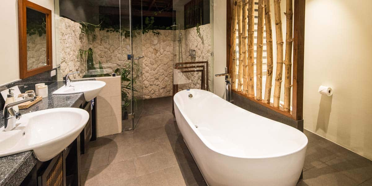 Oasis of Serenity En-suite bathroom middle picture